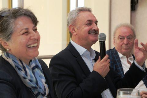 Nail Başkan da İzmir'de depreme yakalandı!