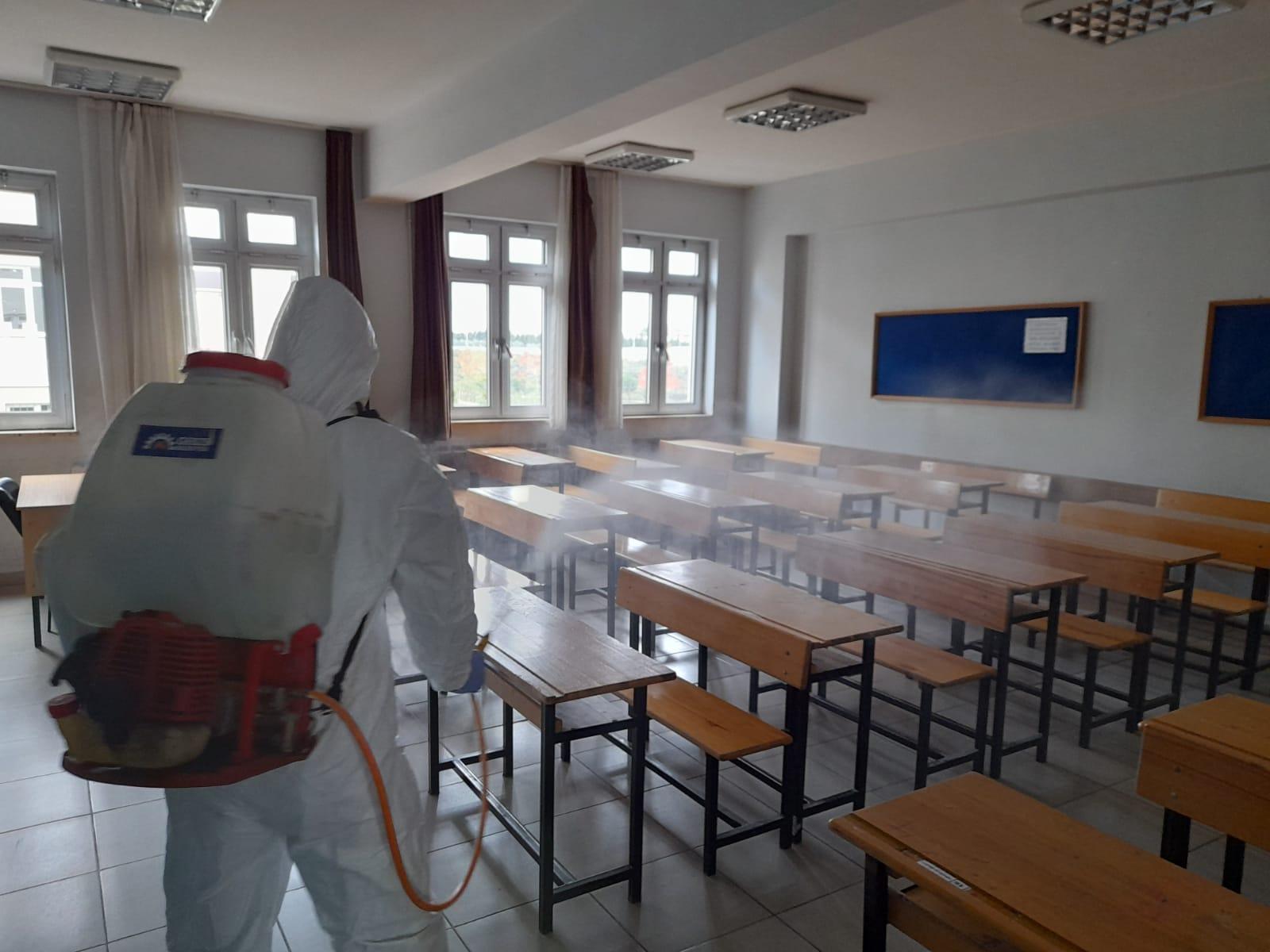Gebze'de okullar ve camiler dezenfekte edildi