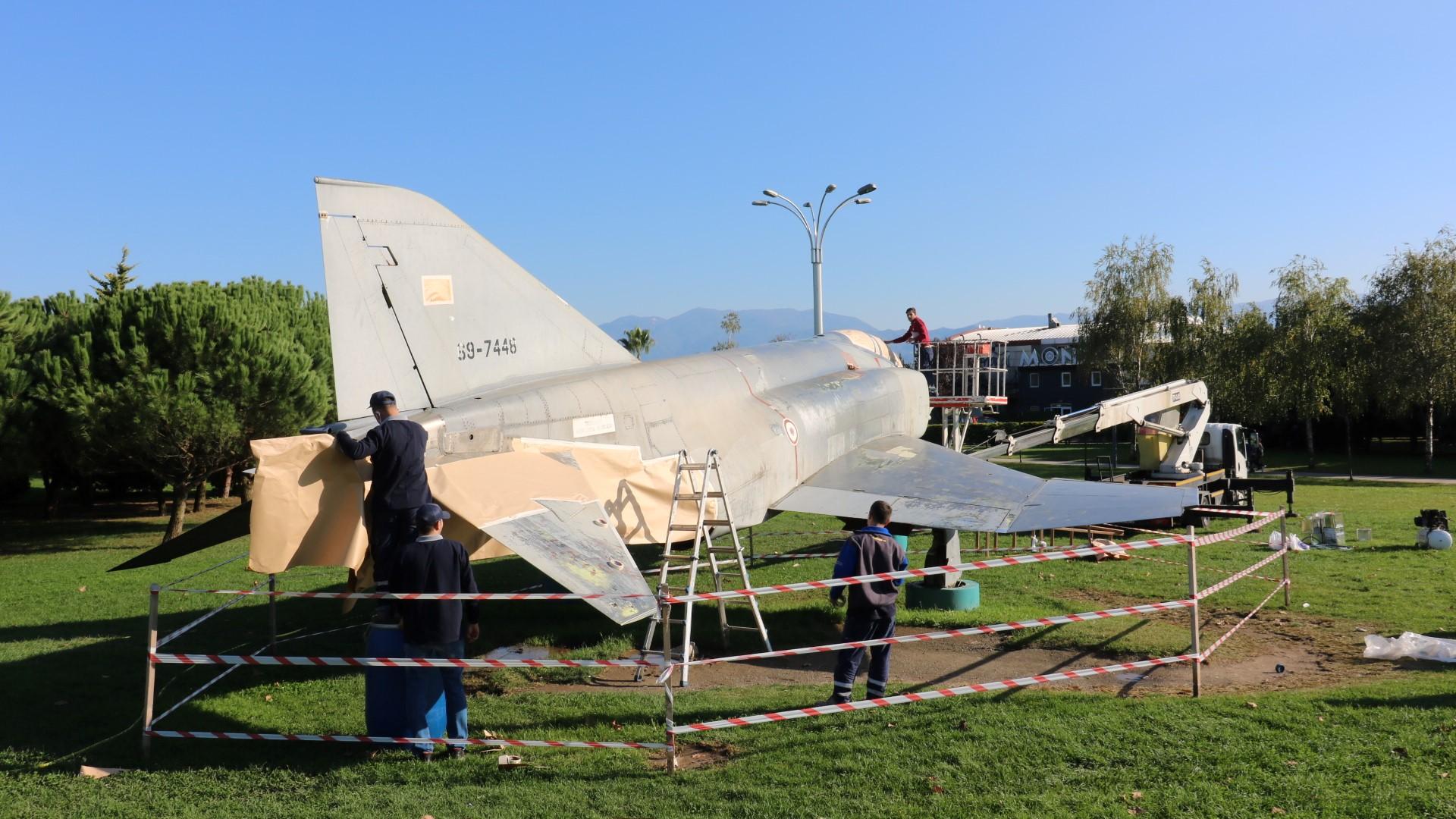 İzmit Seka Park'ta F4 uçağı var