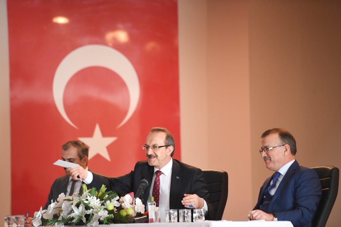 """Çayırovalı Muhtarlara konuşan Vali Yavuz: """" Milletimiz patron, biz çalışanız!"""""""