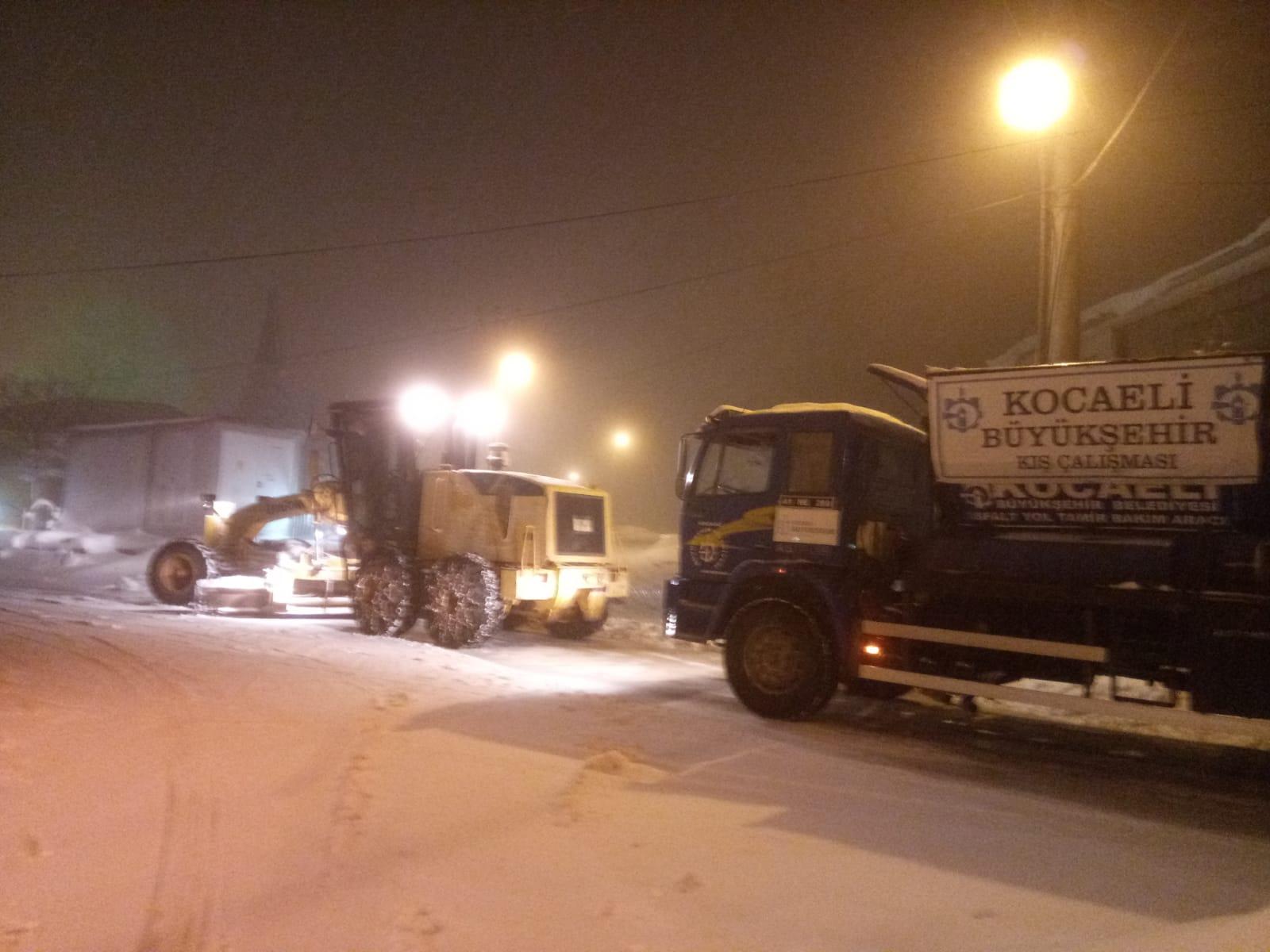 Tipide erken saatlerde 7/24 Büyükşehir Kar Timleri yoktu, ilçe belediyeleri vardı!
