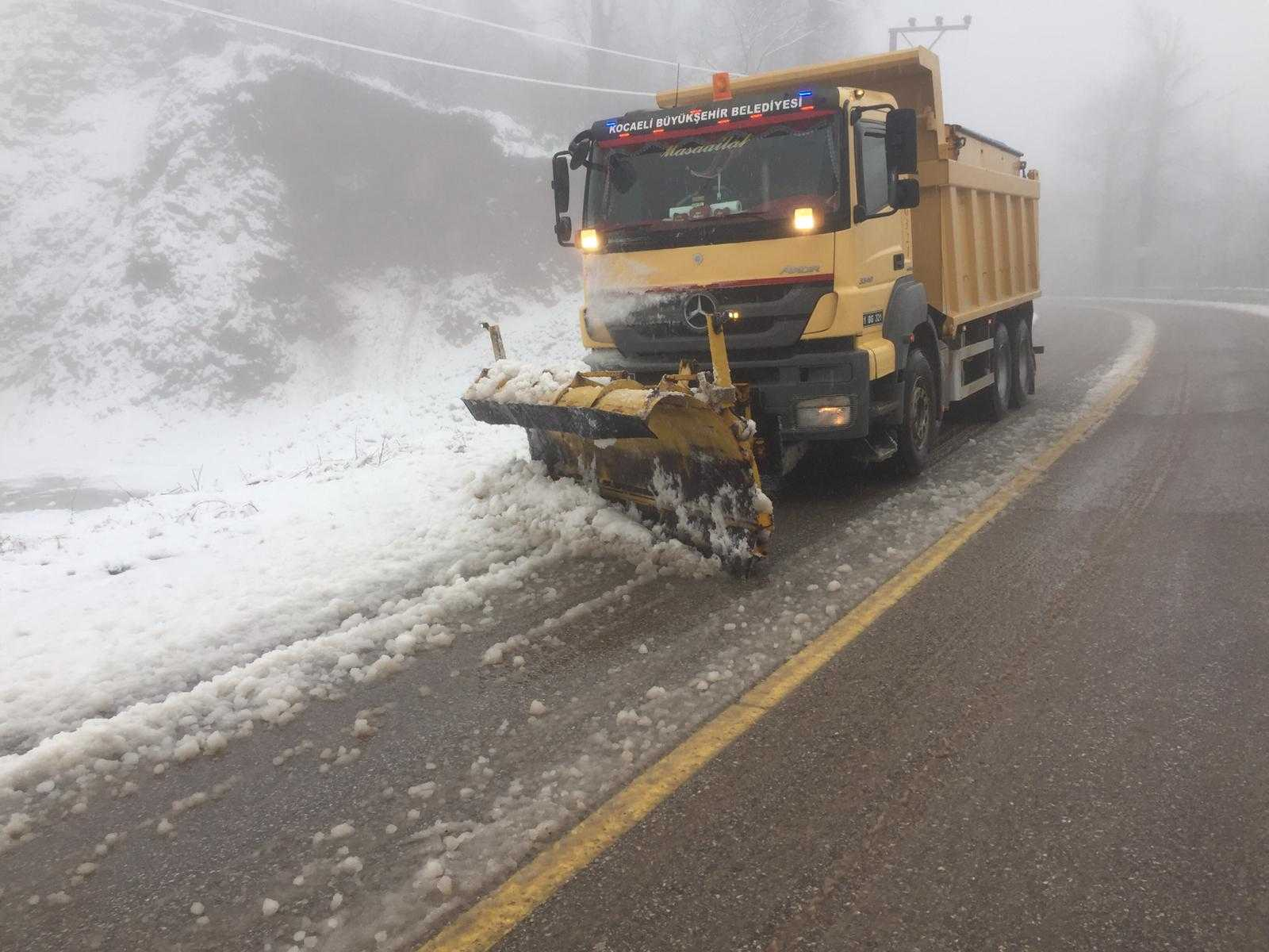 Büyükşehir karla mücadele ekipleri hazır