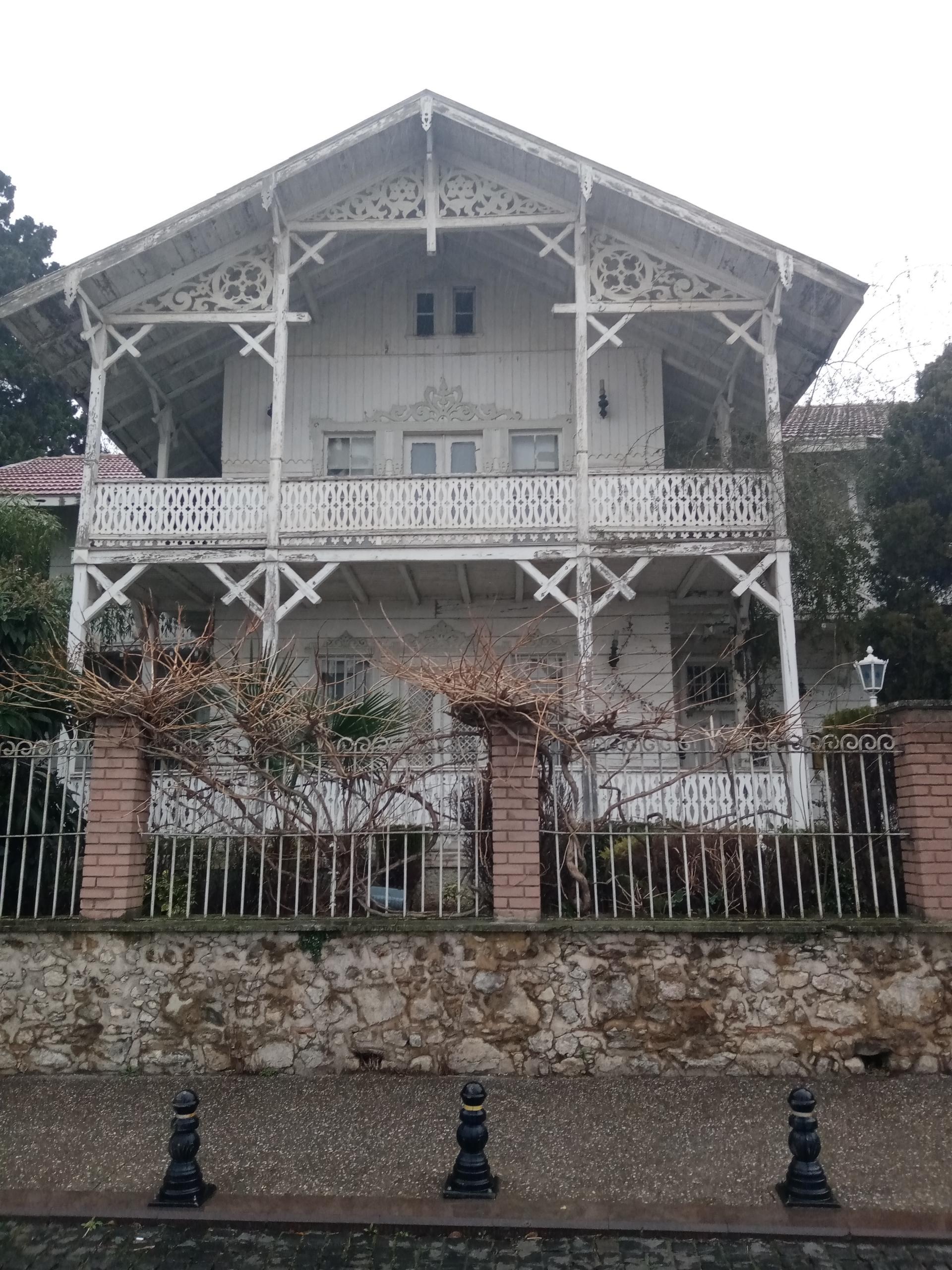 Osman Hamdi Bey Müzesi, bakımsızlıktan dökülüyor…