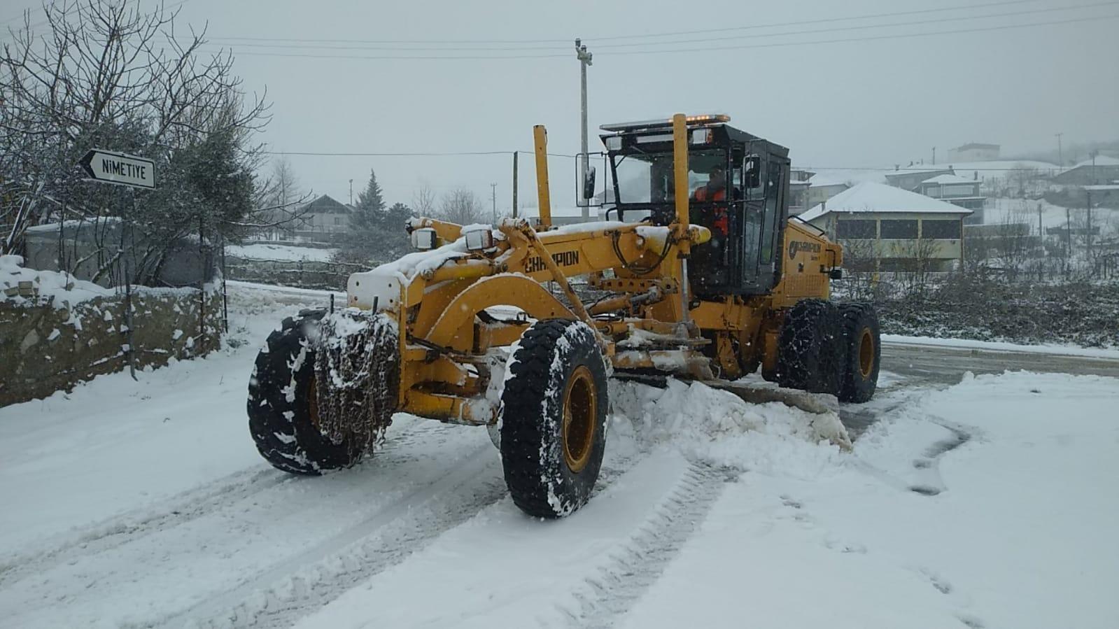 Kar geldi, gece gündüz mücadele başladı!