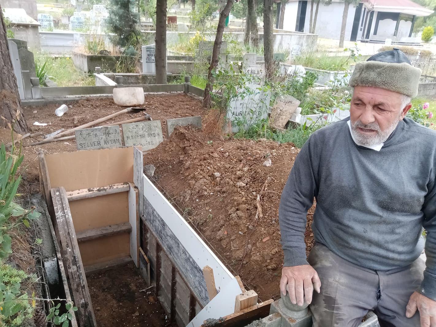 Kendi mezarına betonunu da kendisi attı!