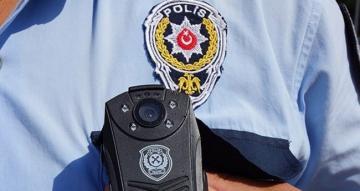 """Bir vatandaşı """"polis-savcıyız"""" diyerek dolandıran iki şahıs Gebze'de yakalandı"""