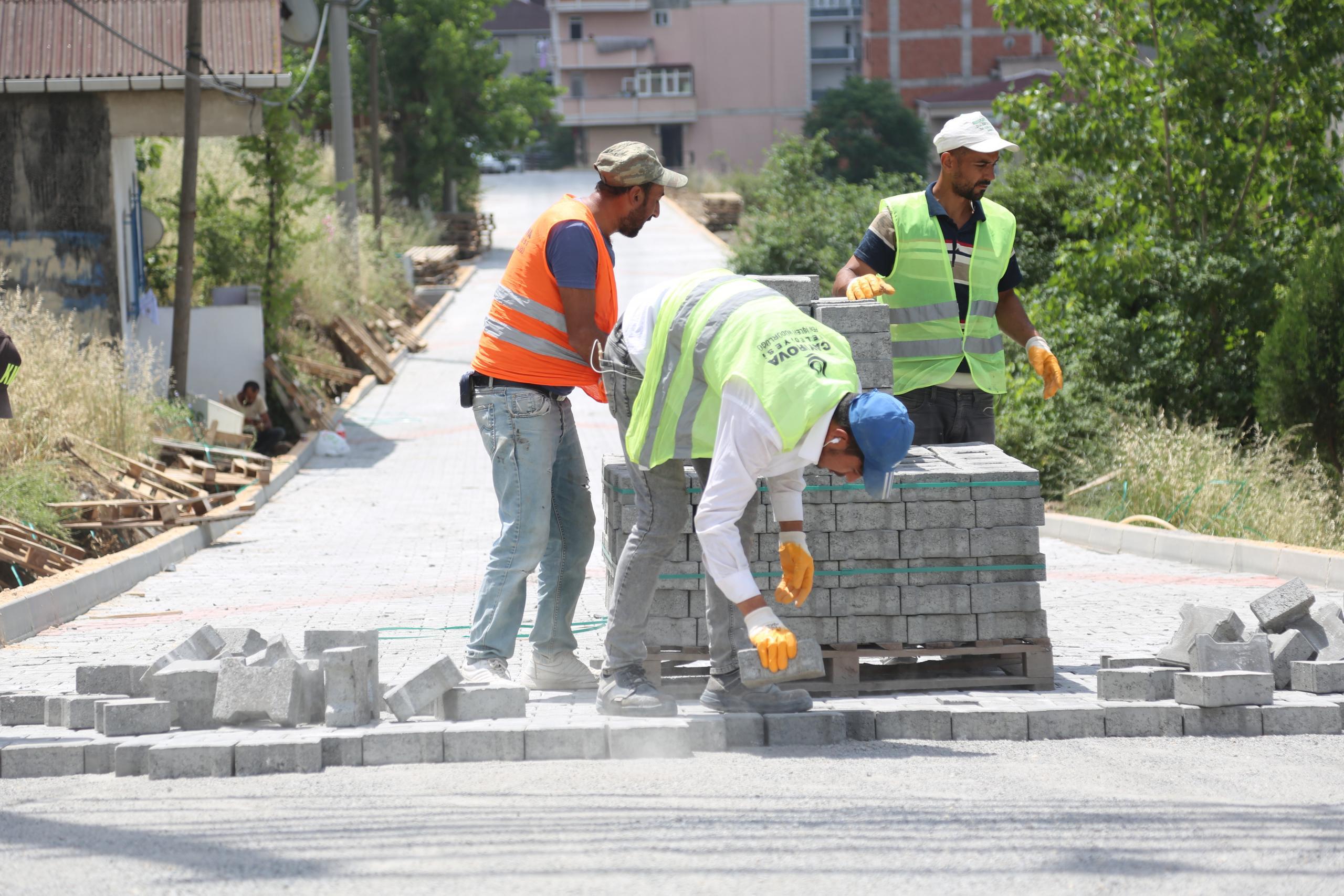 Çayırova'da altyapı ve üstyapı çalışmaları tam gaz