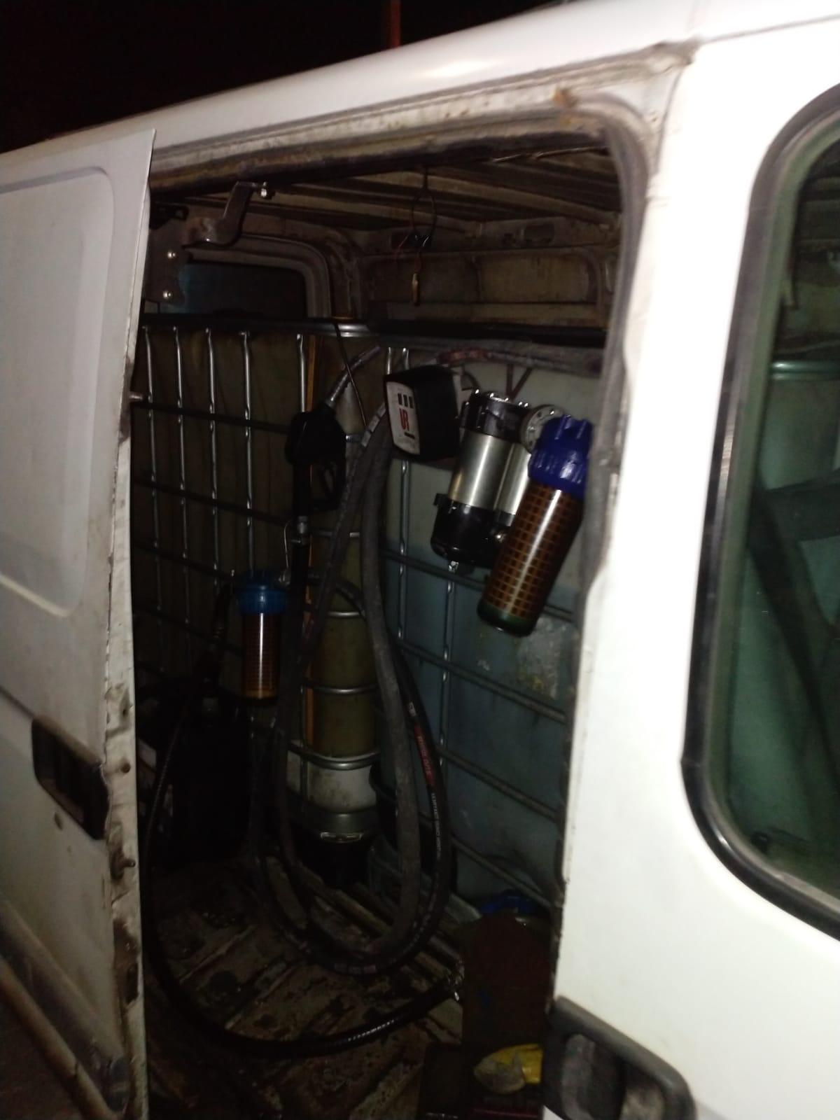 Mobil kaçak akaryakıt aracı yakalandı