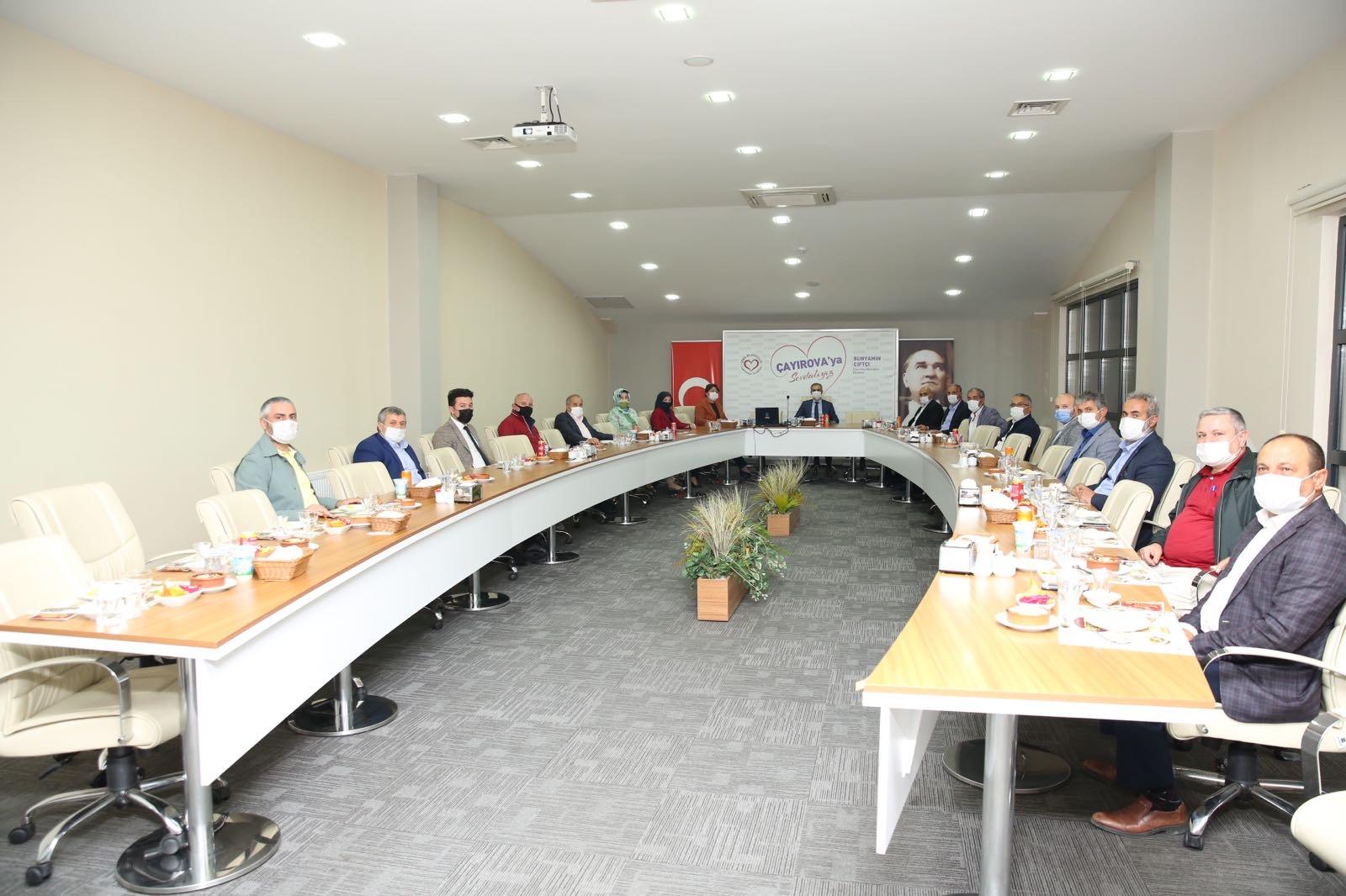Çiftçi, hizmetlerini meclis üyeleriyle paylaştı