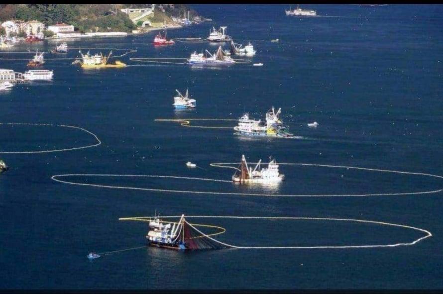 """Eskihisarlı Balıkçılar da isyan etti: """"Boğazlara ağ atılmasını istemiyoruz!"""""""