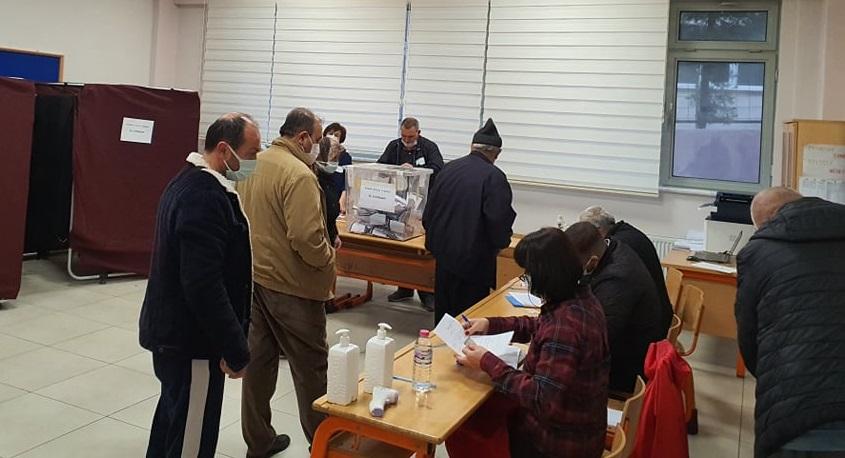 """Gebze Seçmeni Bulgaristan seçimleri için : """"Hak ve Özgürlükler""""dedi"""