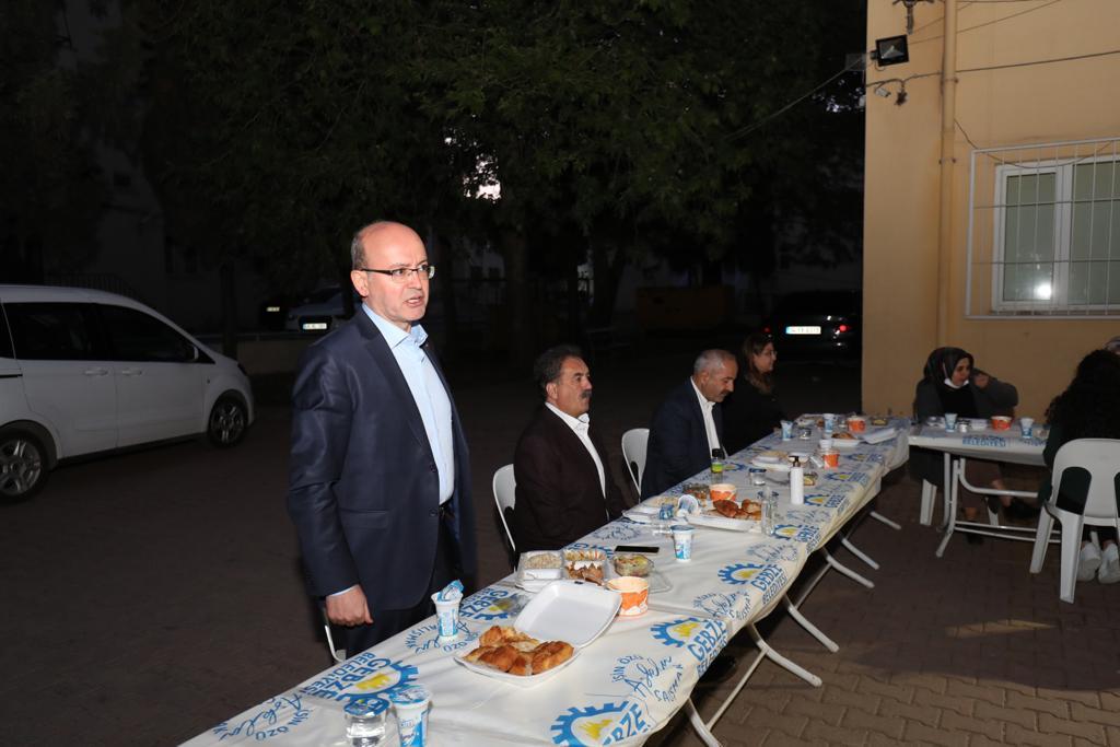 Kaymakam Güler ve Başkan Büyükgöz sağlıkçılarla birlikte iftar yaptı