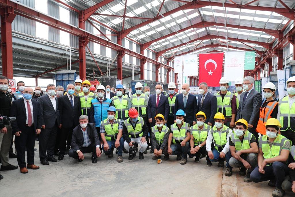 Ulaştırma Bakanı Gebze Metrosu'nda kazı startını verdi