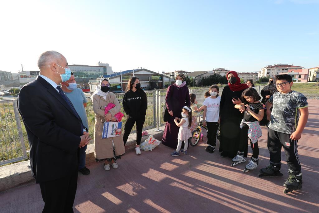 Başkan Amcaları, Yenikentli çocukları Skate Park ile sevindirdi