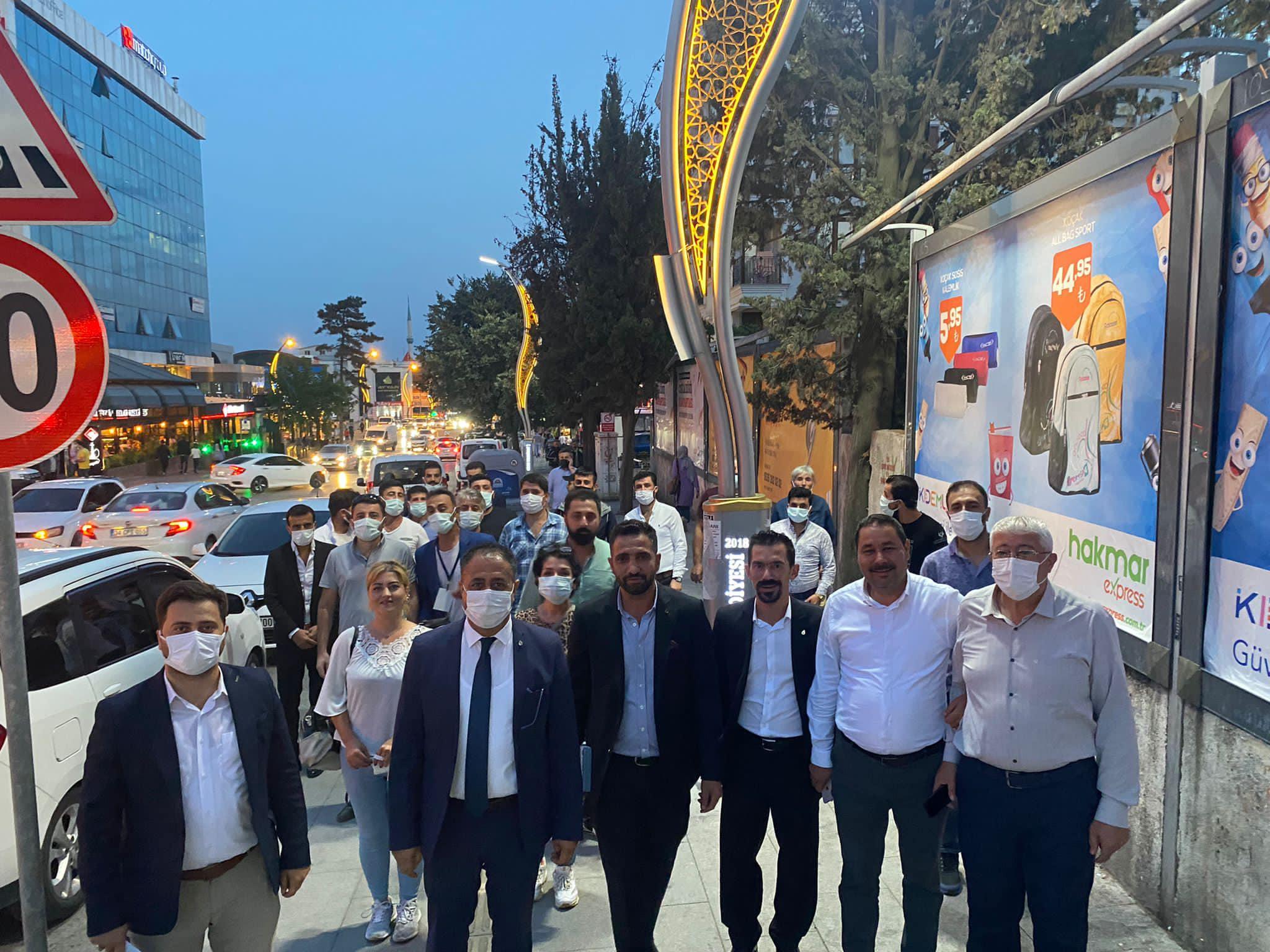 DEVA Gebze ilk önce esnafı gezdi, sonra mahalle toplantısı yaptı