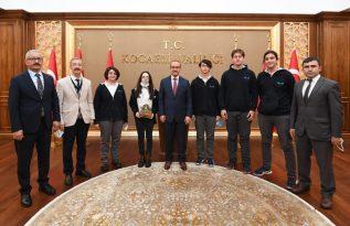 TEKNOFEST Dereceli Öğrenciler Vali Yavuz'u ziyaret etti
