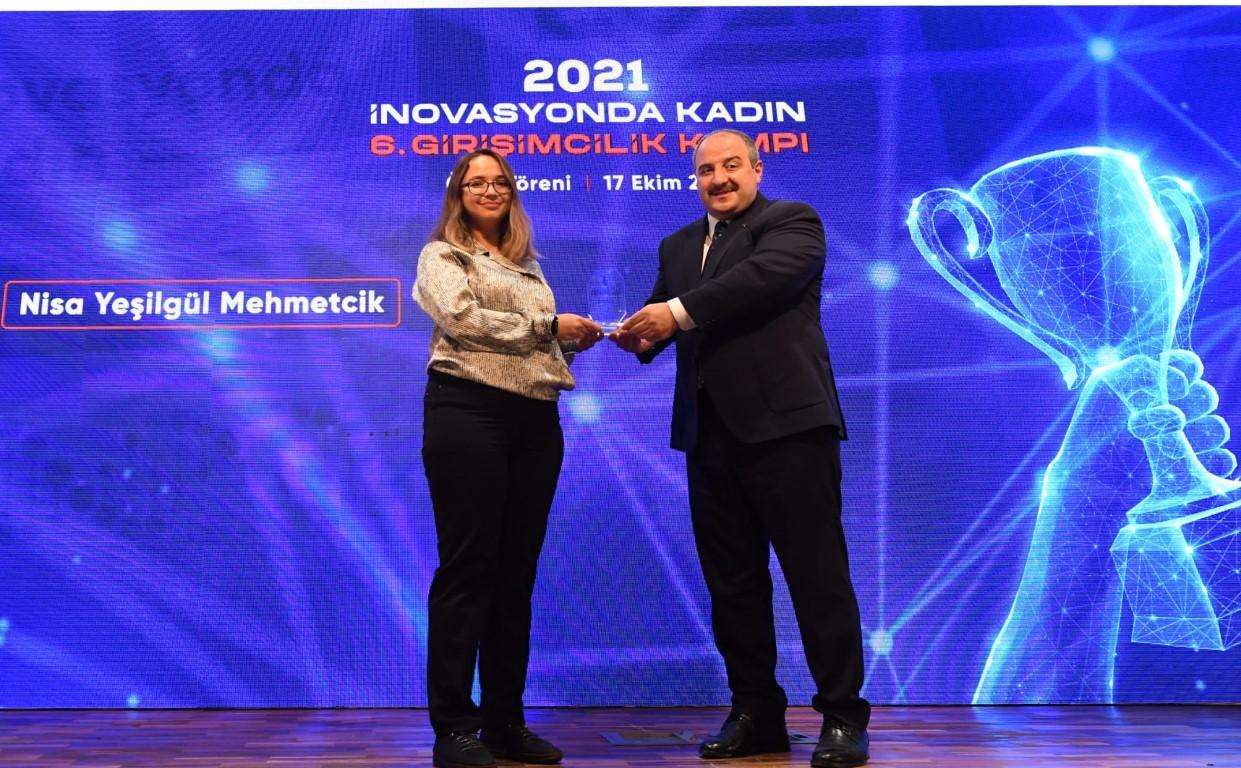 Kadın Projesi Girişimcilik Kampı Ödülleri Gebze Bilişim Vadisi'nde törenle verildi