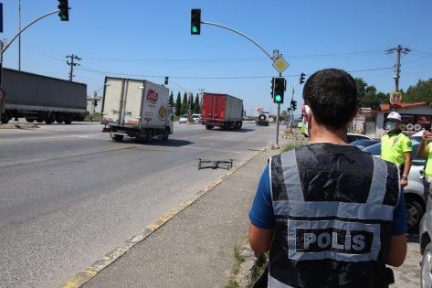 Trafikte ihlal yapan yapana: Polis çok sayıda sürücüye ceza yağdırdı