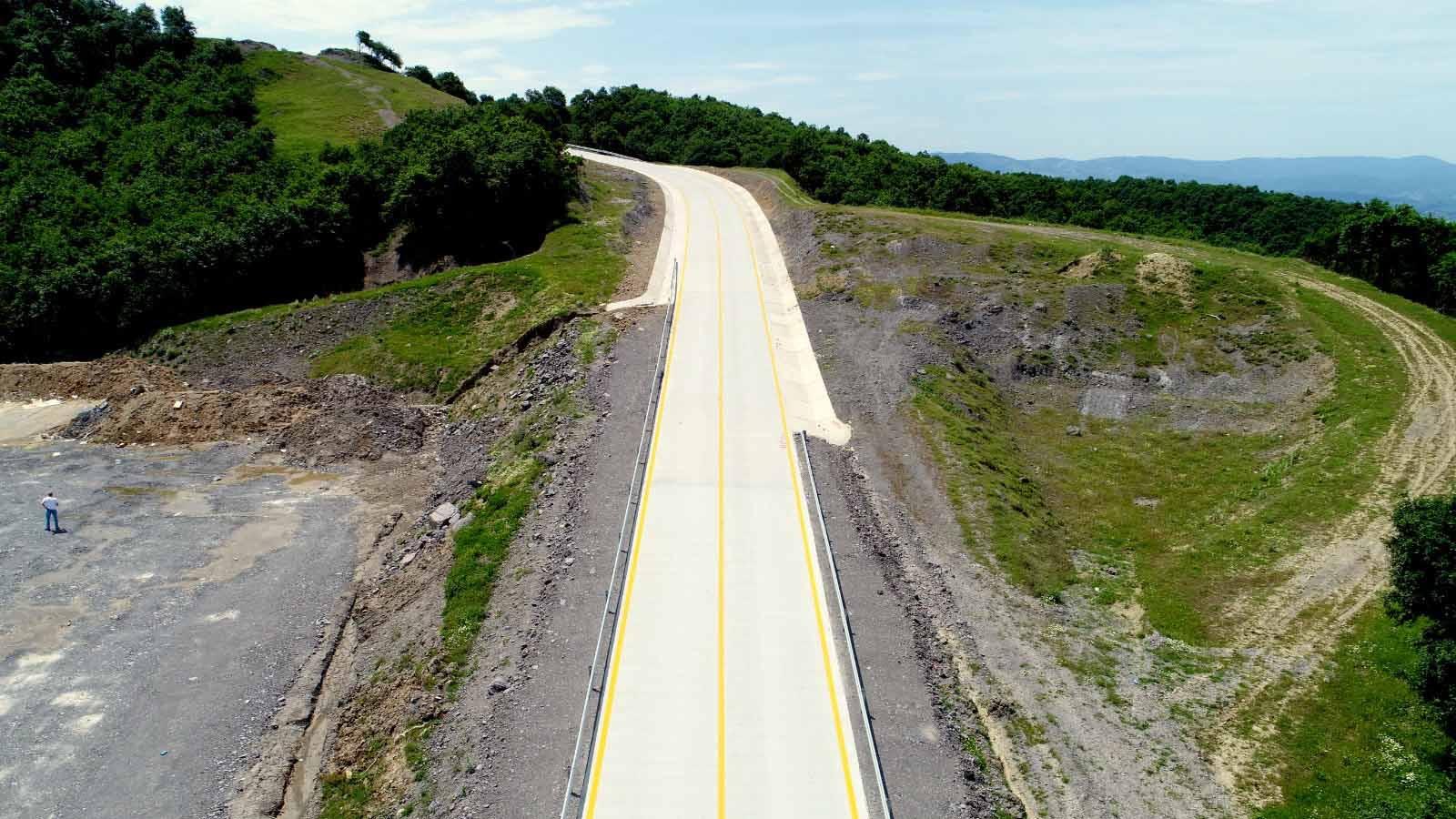 Büyükşehir, Kocaeli genelinde 49 kilometre beton yol yaptı